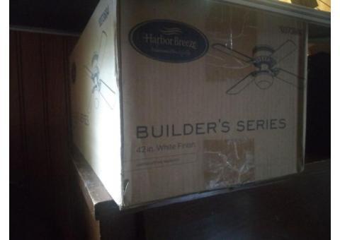 Ceiling fan white in box