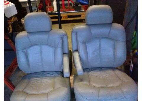 02-06 chevy suburban seats