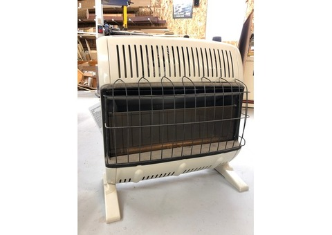 Mr. Heater 30k BTU natural gas heater