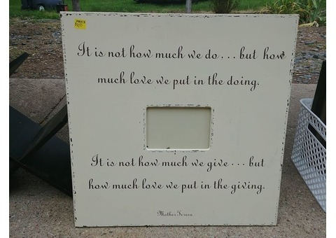 Picture frame with quote